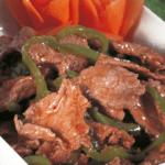 طريقة عمل لحم العجل المحمر بالبصل